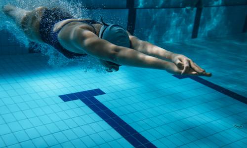 Beneficiile înotului